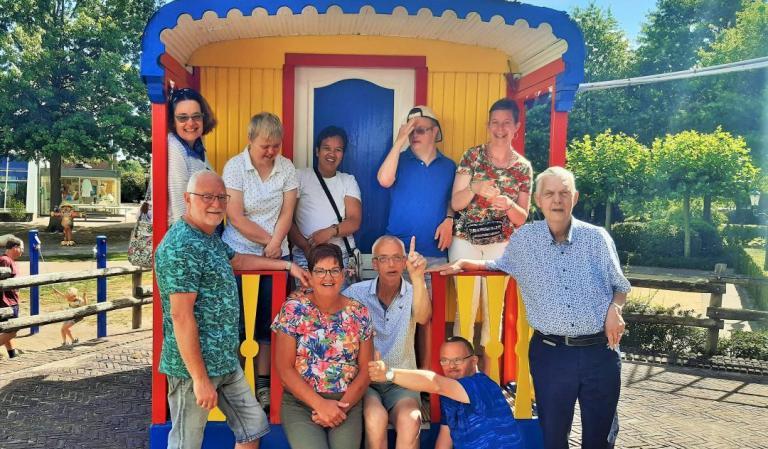 thomashuis Harich groepsfoto op vakantie