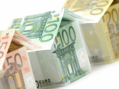 Wie voorspelt de toekomst van contact geld?