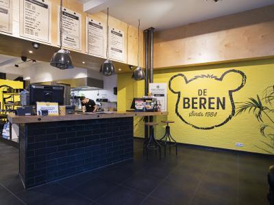 De beren bezorgrestaurant delivery day