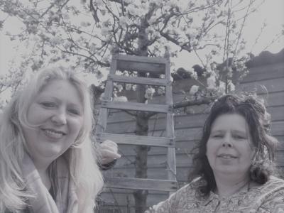 Franchisegevers Esther en Karin van de formule Hulp Waar Nodig